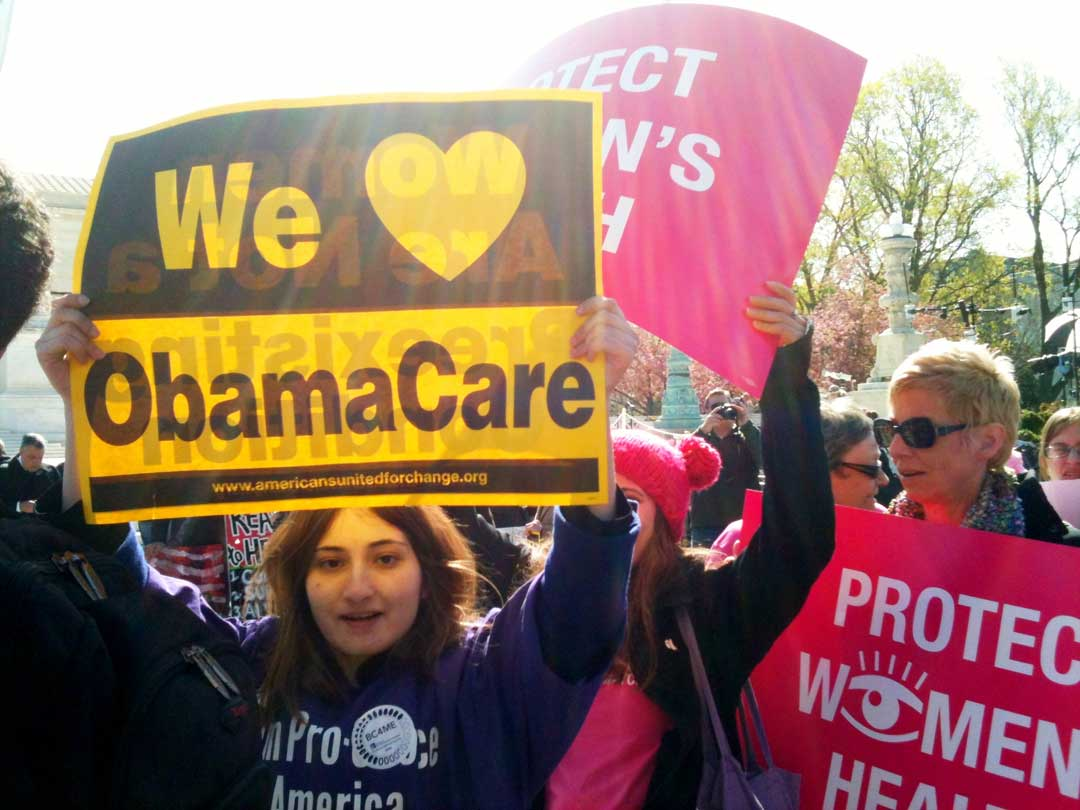 A rally in support of the so-called Affordable Care Act in front of the US Supreme Court in Washington, DC, March 27, 2012 (LaDawna Howard/CC BY 2.0)
