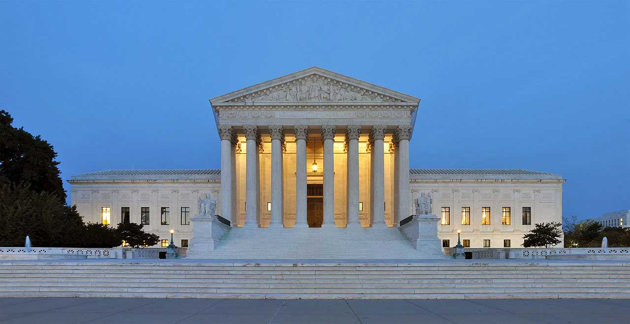 The US Supreme Court building in Washington, DC (Joe Ravi/CC-BY-SA 3.0)