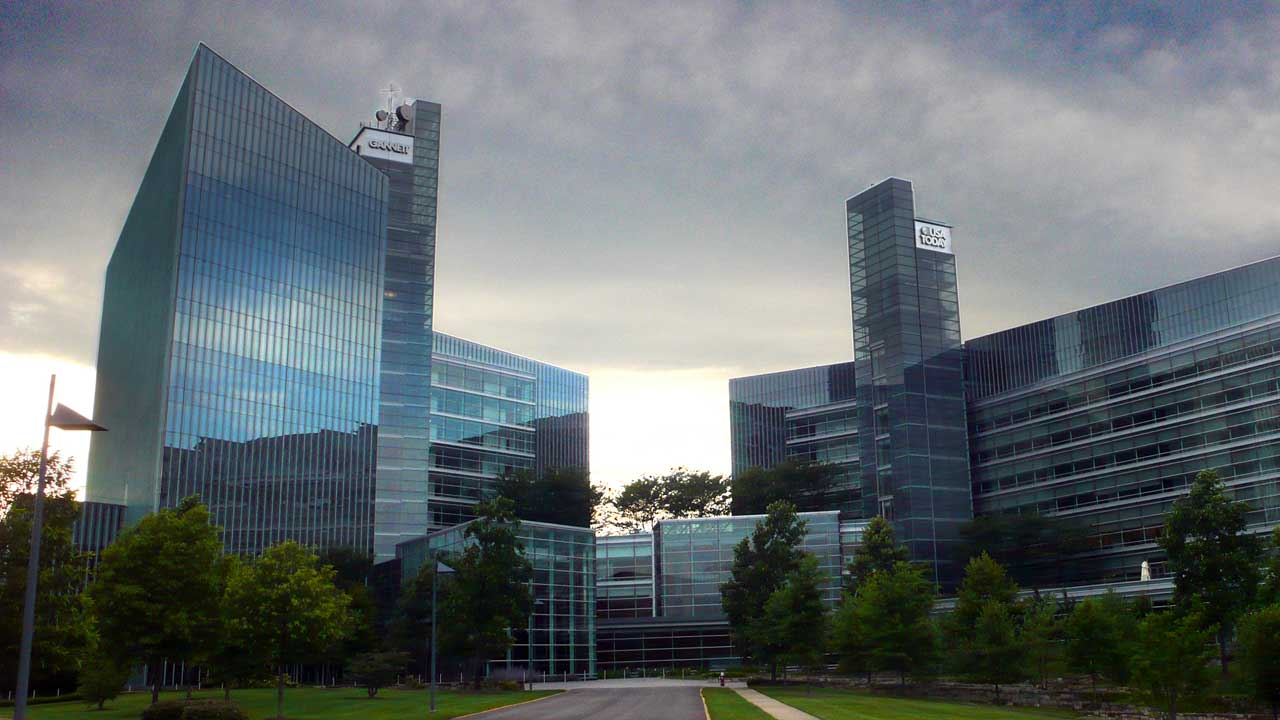 The USA Today/Gannett Building in McLean, Virginia (Photo by Patrickneil, licensed under CC BY-SA 3.0)